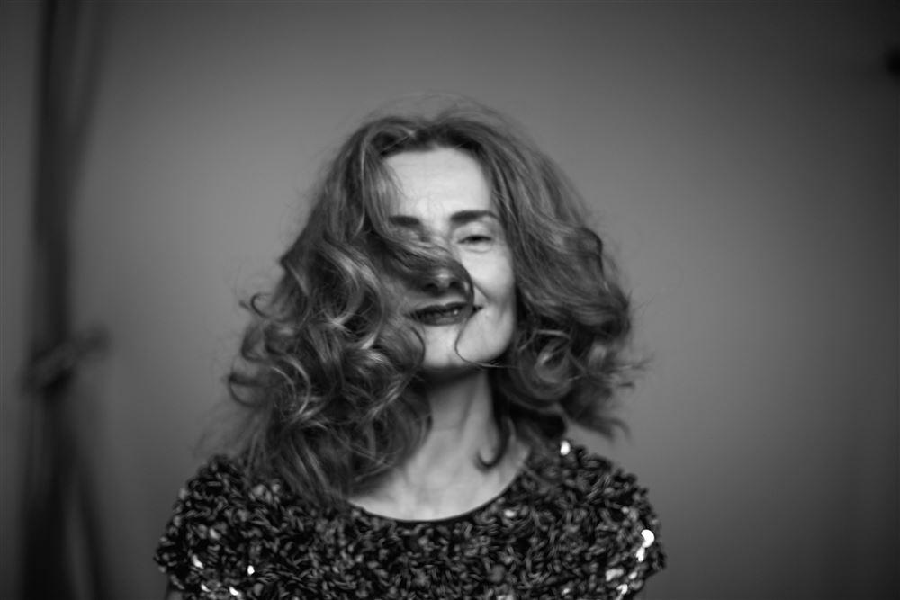 Rachel Lascar - Amelia- by Alexis Goméz